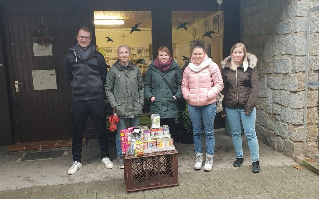 Pfadfindergruppe aus Schnaittenbach zu Besuch im Tierheim